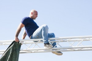 What not to do! it is now illegal to work at heights without the right qualification and protection.